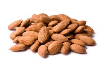 https://cf.ltkcdn.net/gluten/images/slide/75358-847x567-almonds.jpg