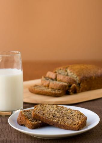 https://cf.ltkcdn.net/gluten/images/slide/75376-587x818-banana_bread.jpg