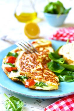 tomato and spinach omelet