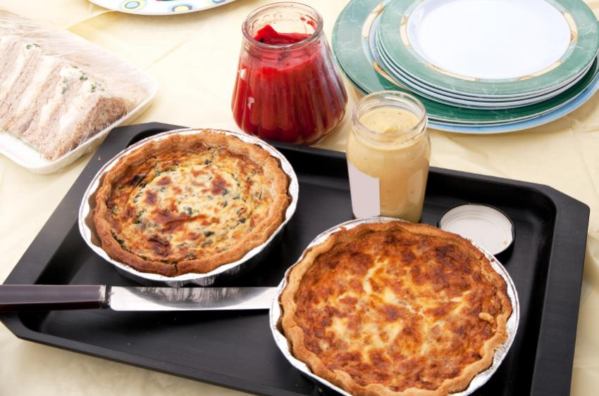https://cf.ltkcdn.net/gourmet/images/slide/108094-850x563-Quiche.jpg