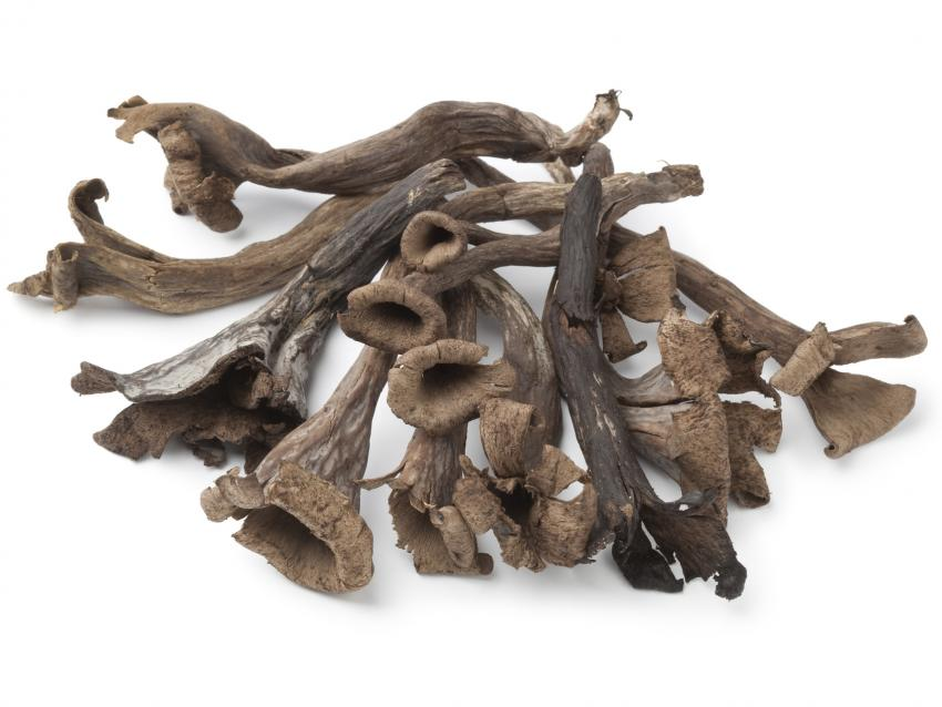https://cf.ltkcdn.net/gourmet/images/slide/219931-850x638-blacktrumpetmushrooms.jpg