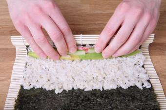 https://cf.ltkcdn.net/gourmet/images/slide/108111-849x565-Makizushi.jpg