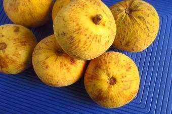 https://cf.ltkcdn.net/gourmet/images/slide/219851-850x567-Santol-Fruit.jpg