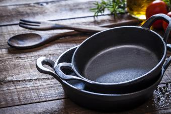 Types of Cast Iron Cookware