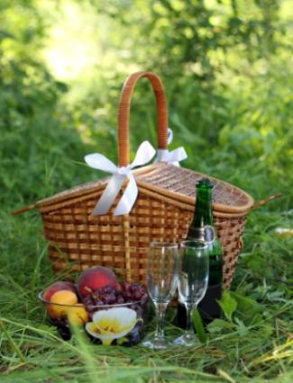 Romantic Picnic Basket Food Ideas