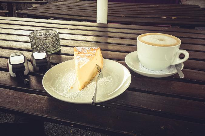 Vanilla bean cheesecake and coffee