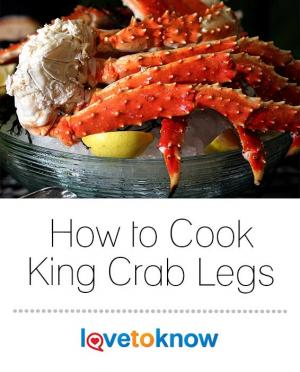 Cooked king crab legs with lemon