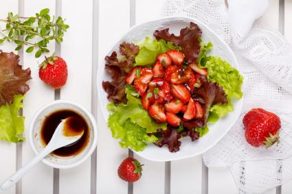Salad and balsamic vinegar dressing