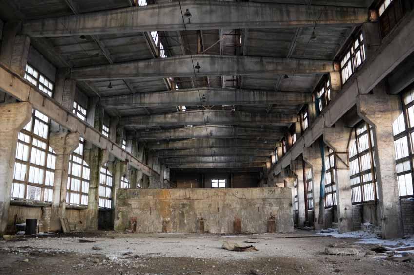 https://cf.ltkcdn.net/greenliving/images/slide/138250-849x565r1-4abandoned-factory.jpg