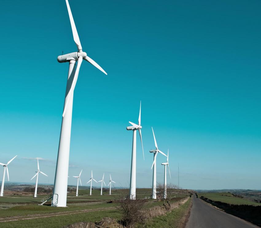 https://cf.ltkcdn.net/greenliving/images/slide/252169-850x744-2-examples-sustainable-development.jpg