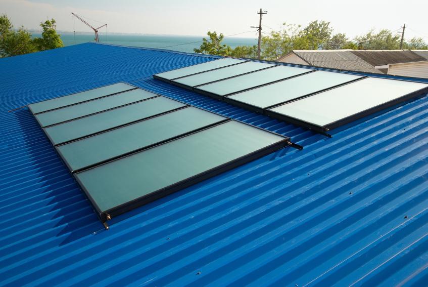 https://cf.ltkcdn.net/greenliving/images/slide/88401-847x567-solar_water_heating.jpg
