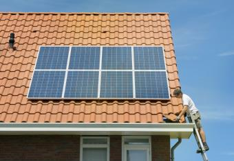 Installation of solar panels on a new home