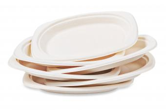 Plates made from plant fiber