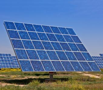 https://cf.ltkcdn.net/greenliving/images/slide/252170-850x744-3-examples-sustainable-development.jpg