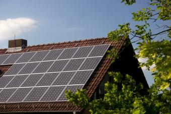 https://cf.ltkcdn.net/greenliving/images/slide/88408-849x565-solar_cells.JPG