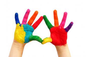 https://cf.ltkcdn.net/greenliving/images/slide/88419-849x563-kr_handprints1.jpg