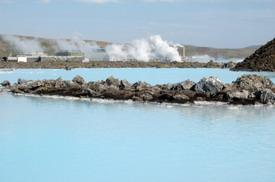 Geothermal_power_plant.jpg
