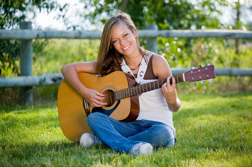Happy-guitarist.jpg