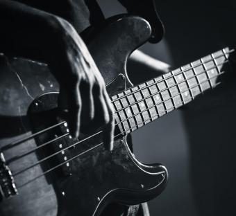 https://cf.ltkcdn.net/guitar/images/slide/232337-850x779-famous-bass-guitar-players.jpg