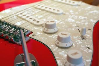Stratocaster with pickguard