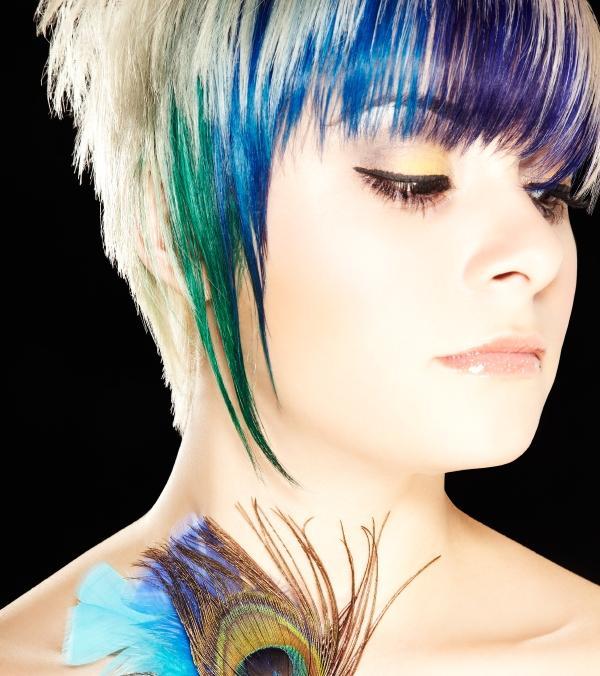 https://cf.ltkcdn.net/hair/images/slide/139636-600x676r1-emobangs1.jpg