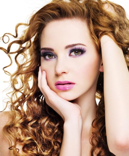 https://cf.ltkcdn.net/hair/images/slide/145443-521x630r1-dark-strawberry-blonde.jpg