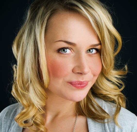 https://cf.ltkcdn.net/hair/images/slide/145445-564x543r1-medium-golden-blonde.jpg