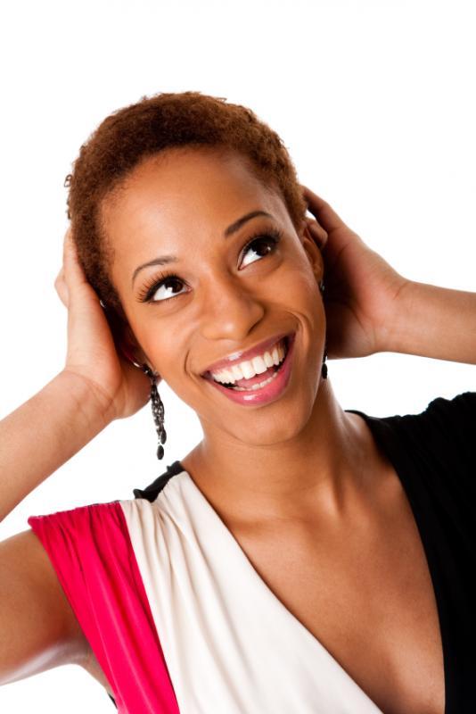 https://cf.ltkcdn.net/hair/images/slide/169513-534x800-short-dyed-afro.jpg