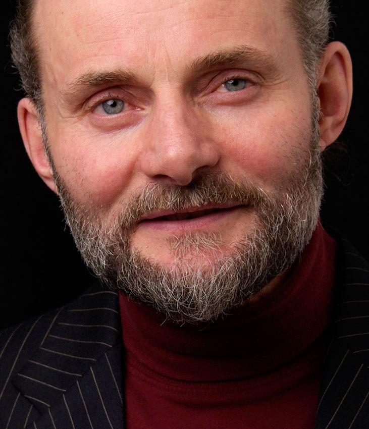 https://cf.ltkcdn.net/hair/images/slide/176121-731x850-Full-Cropped-Beard.jpg