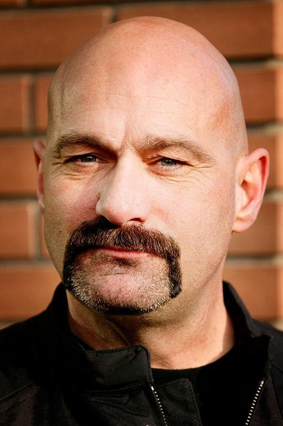 https://cf.ltkcdn.net/hair/images/slide/176136-566x850-Horse-Shoe-Mustache.jpg
