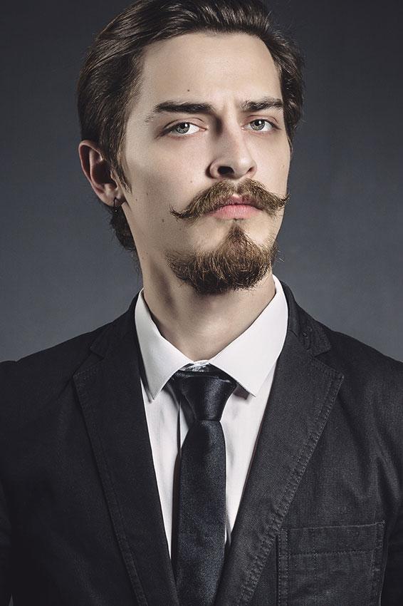 https://cf.ltkcdn.net/hair/images/slide/176139-566x850-Mustache-with-Goatee.jpg
