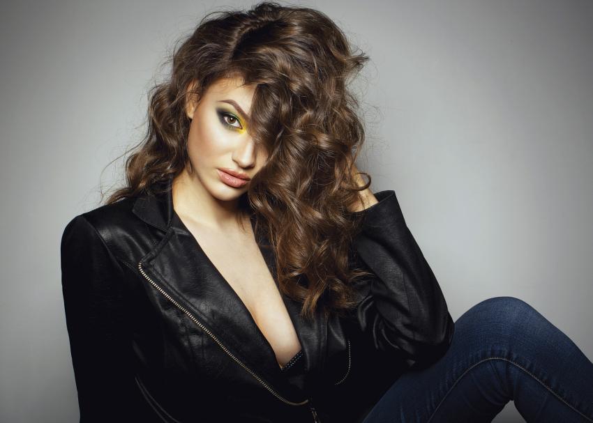 https://cf.ltkcdn.net/hair/images/slide/209601-850x607-brown_haircolor11.JPG