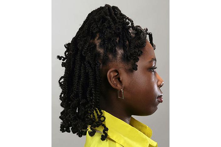 https://cf.ltkcdn.net/hair/images/slide/224854-704x469-Girl-with-tiny-tight-braids.jpg