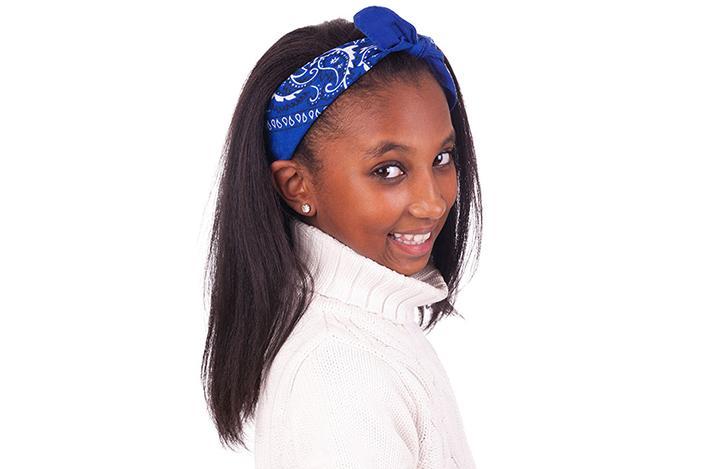 https://cf.ltkcdn.net/hair/images/slide/224862-704x469-Girl-with-headband.jpg