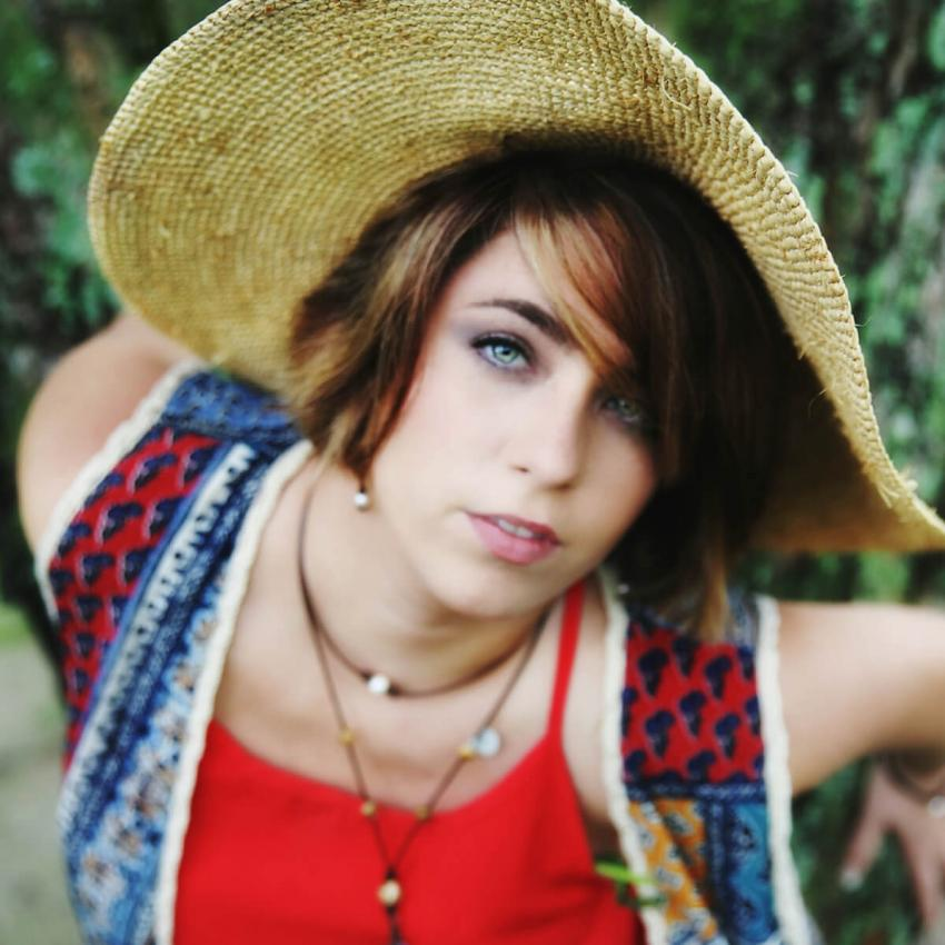 https://cf.ltkcdn.net/hair/images/slide/232732-850x850-light-brown-hair-color-options-14.jpg