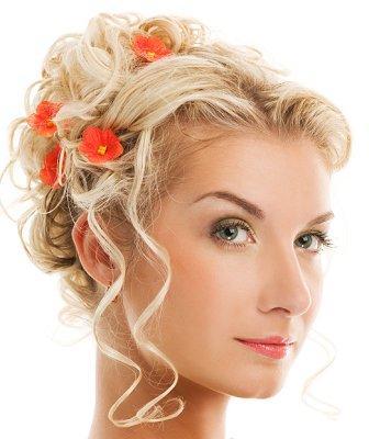 https://cf.ltkcdn.net/hair/images/slide/3913-336x400-weddayhair5.jpg