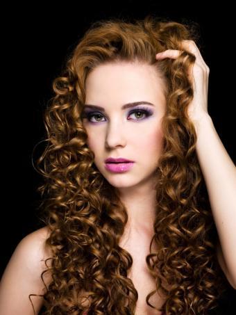 https://cf.ltkcdn.net/hair/images/slide/128873-600x800r1-Curly-hair.JPG
