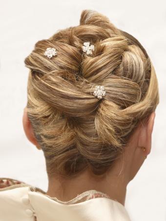 https://cf.ltkcdn.net/hair/images/slide/128874-600x800r1-French-braid.JPG