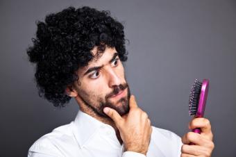 https://cf.ltkcdn.net/hair/images/slide/131518-849x565r1-Toupee.jpg