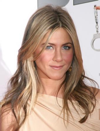 https://cf.ltkcdn.net/hair/images/slide/137064-500x653r1-Jennifer-aniston-hair.jpg