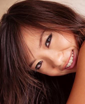 https://cf.ltkcdn.net/hair/images/slide/145448-560x683r1-warm-medium-brunette.jpg