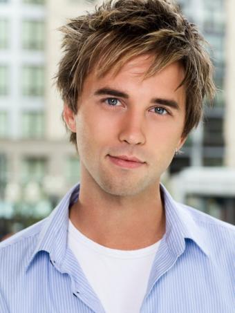 https://cf.ltkcdn.net/hair/images/slide/145987-551x734r1-bedhead-medium-shaggy-male-hairstyle.jpg