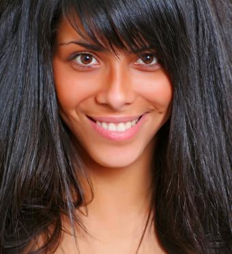 https://cf.ltkcdn.net/hair/images/slide/149972-662x725-thick-hair-with-bangs.jpg