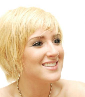 https://cf.ltkcdn.net/hair/images/slide/149977-558x636-blonde-shag.jpg