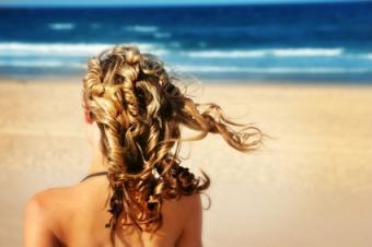 long curly summer hair style