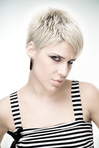https://cf.ltkcdn.net/hair/images/slide/155615-566x848r1-iStock_000012609391Small.jpg