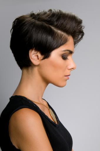 https://cf.ltkcdn.net/hair/images/slide/155617-565x850r1-iStock_000018188902Small.jpg