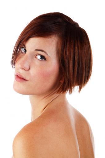 https://cf.ltkcdn.net/hair/images/slide/155659-566x848r1-Short-inverted-bob.jpg