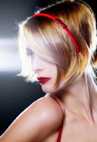 https://cf.ltkcdn.net/hair/images/slide/155662-573x838r1-Bob-with-headband.jpg
