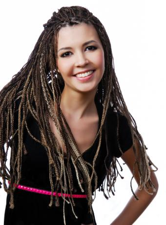 https://cf.ltkcdn.net/hair/images/slide/156301-594x808r1-Teen-with-Braids.jpg